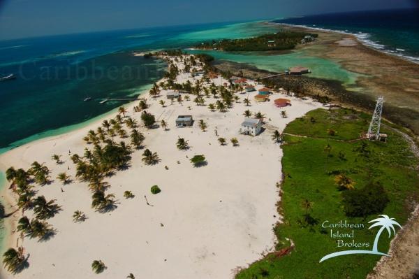 Aerial view looking north over Manta Caye