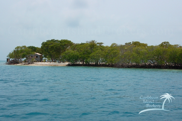 The eastern side of Sunset Caye